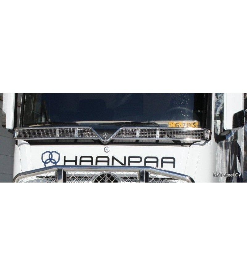 MB ACTROS 2011 - Stoneguard 2500mm - 1098 - Stainless / Chrome accessories - Unspecified - Verstralershop