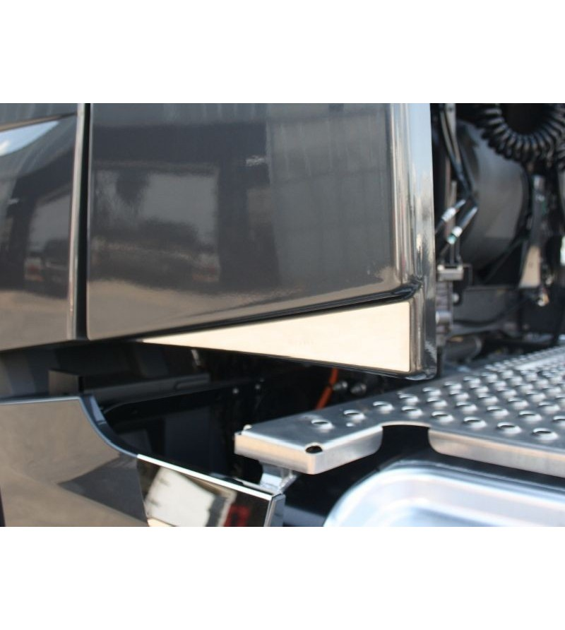 Volvo FH 2013- Rear Spoiler Profiles (set) - 008VFH2013 - RVS / Chrome accessoires - Acitoinox - Italian series - Verstralershop