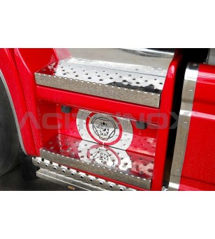 Scania L - SKIRT STEPS COVER - 022S - Stainless / Chrome accessories - Acitoinox - Italian series - Verstralershop