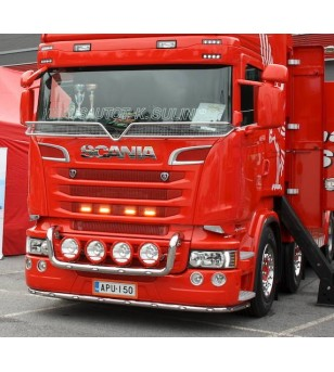 Scania R (big grill) frontbar in front of grill