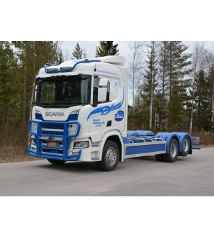 SCANIA R/S Serie 16+ - serie Frontbar Freeway 2 - 1008789 - Bullbar / Lightbar / Bumperbar - RST-STeel - frontbar Freeway - Vers