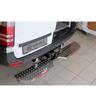 IVECO DAILY 15+ RUNNING BOARDS to tow bar pcs EXTRA LARGE - 888423 - Rearbar / Opstap - Metec Van